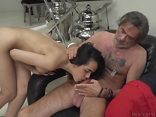 Esperanza del Horno blows one cocks simultaneously and gets cum