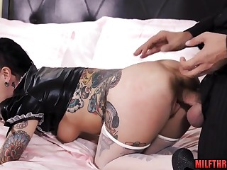 French mommy hard sex and facial