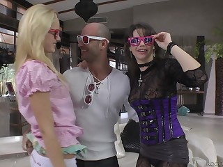 Party girls Vanda Lust and Chintya Inclusive bull over a cock