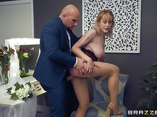Bridesmaid gets good dick superior to before the wedding day