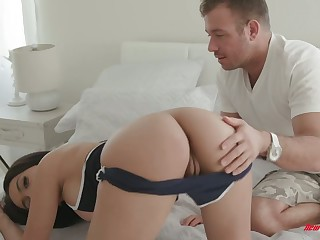 Bootyful coddle Aaliyah Hadid is fucked by hot blooded boyfriend