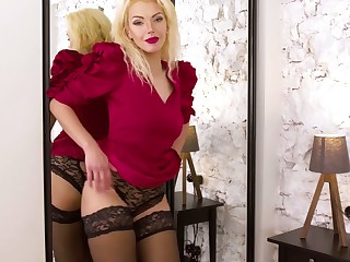 Experienced blonde Zara gets naked increased by tries to replication pussy which is out of control