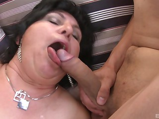 massive tits mature gives the best tit job and a blowjob to her friends