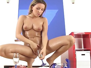 Piss Drinking Fetish Solo