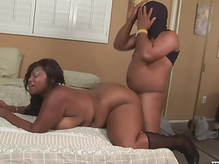 Big ebony full-grown deep fucked on cam by a horny male