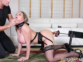 Aberrant festival MILF Dee Williams fucked near for ages c in depth on a leash