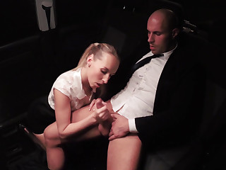 Backseat humping with a blonde connected with stockings