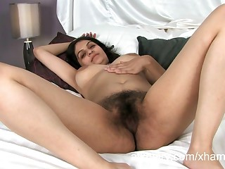 Super soft Indian non-specific Rani masturbates