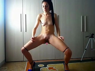Romanian camslut extreme excitement together with squirting orgasm
