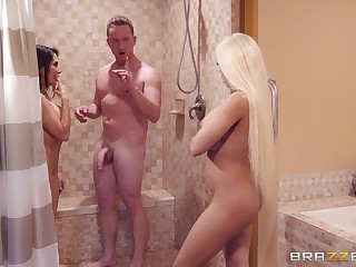 Prurient babes Lela Star and Luna Star share dick and a cumshot