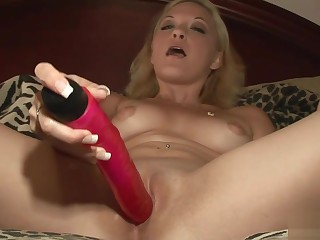 Red dildo satisfies a comme