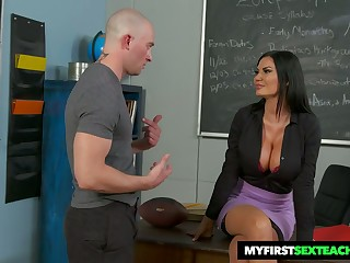 Bitchy teacher Jasmine Jae gets intimate not far from one of her favorite students