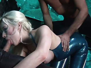 Latex gripe Syren Sexton is fucked by brutal and hot blooded clothes-horse