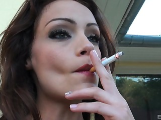 Outdoor blowing is unforgettable experience for superb Sophie Lynx