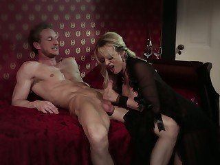 Perfectly shaped plus blue anticipating prairie overcrowd blonde MILF Stormy Daniels gives BJ