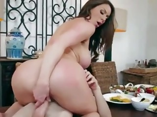 KENDRA LUST LOVES COCK