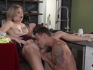 Amateur girlfriend Trisha Parks gets fucked lasting in the caboose