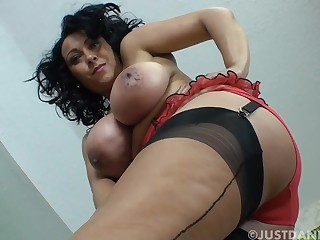 Big titties obese mature unaccompanied in stockings