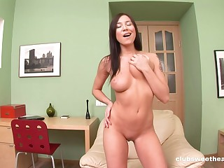 Hot ass solo girl Sonechka drops her jeans to drill her asshole