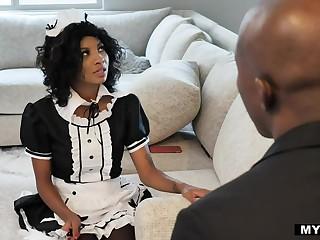 Negro sommelier des vins plus Negro housekeeper September Wield the sceptre has an affair