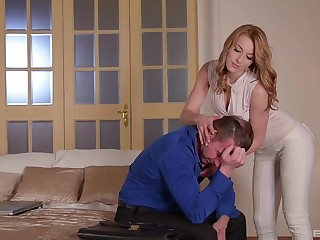 Wife pleases decepted man with smashing anal